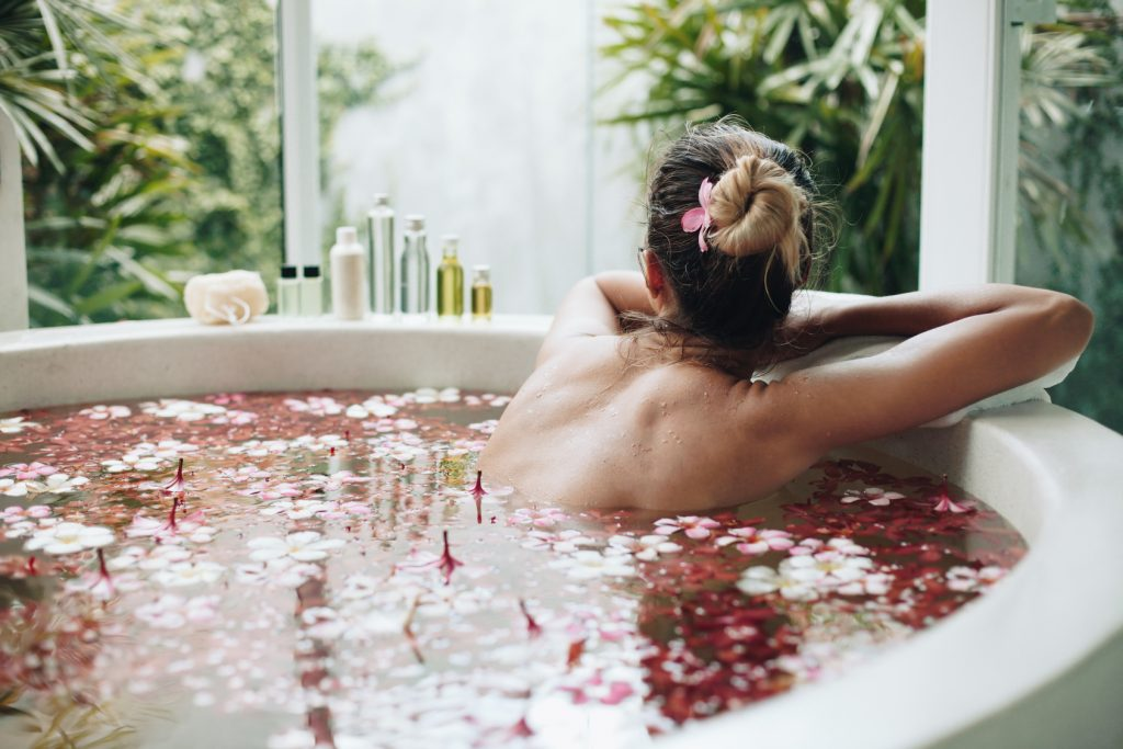 The 12 Best Essential Oils For Your Bath Reviews Guide 2020