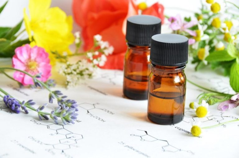 Best Essential Oils for Aging Skin